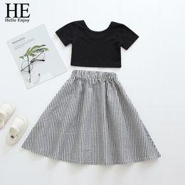 O Hello Zevk Yaz Bebek Kız Giyim Setleri Siyah Yelek + Çizgili Etek Çocuk Giysileri Kız Sevimli Yürüyor Çocuk Tatlı Moda cheap baby girl black vest nereden bebek kızı yelek tedarikçiler