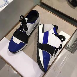 2019 chaussures de course en cuir 2019 mode et qualité designer Sneaker homme femme chaussures de sport en cuir véritable maille bout pointu course coureur chaussures en plein air formateurs avec b promotion chaussures de course en cuir