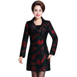 middle aged plus size clothing Promo Codes - Haute coutur Trench coat for women 6XL New 2019 women coat plus-size Printed lace Classic coats Fashion Middle age clothing 4462