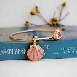 fascini in ceramica per braccialetti Sconti braccialetto di lusso designer gioielli donna bracciali ciondolo in ceramica ciondolo frutta animale charms farfalla canale regolabile NE1046-2