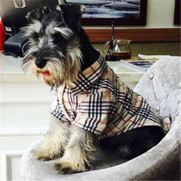 Gato chaquetas de mascotas online-Ropa para mascotas de alta calidad Abrigo para perros y gatos Camisa fina de verano Chaqueta al aire libre para mascotas Schnauzer de peluche