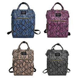 Mochila de bolsillo de cuero online-Mochila de pañales para bebés con múltiples bolsillos, estampado de serpiente, mamá Mochilas de viaje Bolsos de mamás de maternidad de cuero de PU grande
