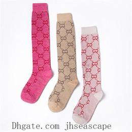 meias de mulheres de negócios Desconto Cáqui Branco Rosa Mulheres Meias New Style letra simples Meias Sexy Europa e América Meias Moda Maré Socks