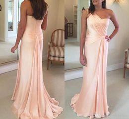 Argentina 2019 Los más nuevos vestidos de noche elegantes de un solo hombro de sirena Sweep Train Satin Drapeado Ruffle Runway Fashion Glamorous Formal Long Prom Dress Suministro