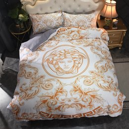 patterned duvets Promo Codes - White Goddess Classic Duvet Cover Set Fashion Print European Style Popular Bedding Sets Retro Pattern Home Textiles