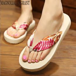 9c98b2daf 2019 verão novas sandálias bohemian chinelos de cetim slip wear chinelos  moda simples sapatos de praia sapatos de mulheres coreanas mm371