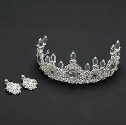 2019 corona del fiore del rhinestone Fashion Crown Rhinestone Tiara Hair Jewelry Quinceanera Crown Wedding Brides Diademi Crowns Pageant per le donne Flower Girls sconti corona del fiore del rhinestone