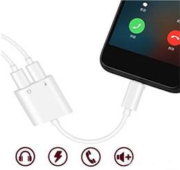 Diviseur de câble auxiliaire en Ligne-Adaptateur 2 en 1 3.5mm Aux Jack Casque Écouteurs Audio Splitter Câble Blanc Charge Musique Pour iphone 8 XS Max XR