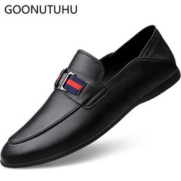 5bb5268118 2019 novos homens da moda sapatos casuais sapatos de couro genuíno da vaca  macho preto vermelho branco deslizamento no sapato homem sapatos de  condução ...