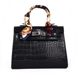 Bloquear bolsas de mensajero online-Nuevo bolso de las mujeres de lujo patrón de cocodrilo PU cuero cerradura de las señoras totalizadores de noche de embrague bolsas de mensajero bolsas de hombro TBG036