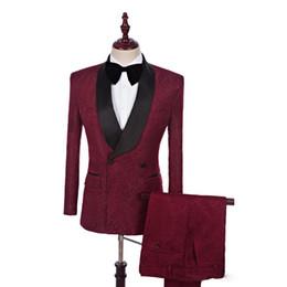 Anzug krawattenbilder online-Echt Bild Schwarzer Schal Revers Zweireiher Burgund Bräutigam Hochzeitsanzug Smoking Hochzeitsanzüge für Männer Prom Anzüge (Blazer + Pants + Tie)