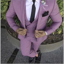 Blazers morados online-2019 Último Abrigo Pantalón de Diseño Púrpura Rosa Hombres Traje Slim Fit Novio Esmoquin 3 Unidades Trajes de Boda Personalizados Prom Blazer Terno masculino