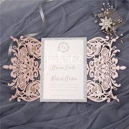 2020 convites livres do acoplamento 24Colors frete grátis Laser Cut Lace convites Flor cartões para Wedding Engagement aniversário graduação aniversário convites livres do acoplamento barato