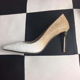 zapatos al por mayor para la boda Rebajas Red Bottoms Diseñador de Lujo Tacones Altos Ronda Punta estrecha Bombas Mujeres Zapatos de Vestir de Boda Al Por Mayor Drop Ship fh19022714
