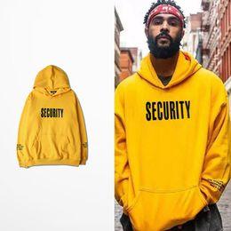 Мужская с капюшоном с капюшоном онлайн-2017 Men's Sweatshirt Pullover Casual Hip Hop Men Loose Solid Letter Yellow Hoodies with Hat Pocket Male Vogue Hooded Tops