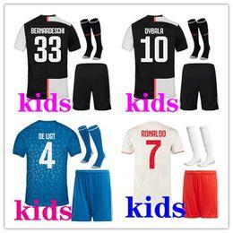 ragazzi ronaldo pullover Sconti bambini 2019 2020 kit di calcio RONALDO Jersey di calcio Juventus bambini kit 19 20 Dybala DE Ligt pullover di calcio scherza la camicia di calcio