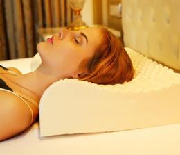 Masaje cuello cabeza almohada online-Almohada de látex Ropa de cama para dormir Cuello cervical Cojín de salud Cuidado de la cabeza consolidada Cojín de memoria 40 * 60 cm