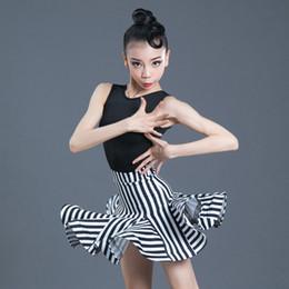 2019 leotardi latini New Girls Latin Dance Dress Bambini Dance Body Skirt Set senza maniche Performance Competition Standard Costumi per bambini sconti leotardi latini