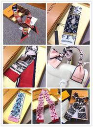 2019 большие банданы оптом 2019 дизайнерские шелковые шарфы для женщин тонкие тонкие ручки сумки шелковые шарфы с двусторонней ленточкой твила с принтом