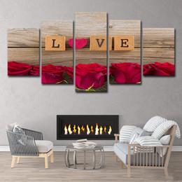 Rose rosse muro floreale online-(Solo tela senza cornice) 5pcs a forma di cuore Rose rosse Decor Wall Art HD stampa su tela pittura moda appendere le immagini