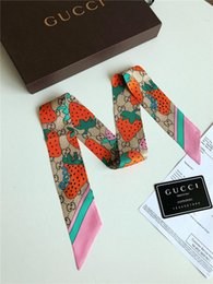 Designer New Print Handle Bag Nastri Marca Piccola sciarpa di seta per le donne Fashion Head Scarf Small Long Skinny Sciarpe size120 * 6cm da i fiori di seta di alta qualità all'ingrosso fornitori