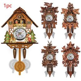 Pendolo orologio online-Orologio da parete Vintage casa cuculo Pendolo di legno decorativo attaccatura del salone Orologio da parete 115X225X50mm Living Room