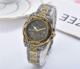 Relojes de lujo de estilo vintage online-vendimia hombre lujo del reloj para hombre relojes de diseño 6 estilos aumentaron movimiento de cuarzo de pulsera de oro Montre de luxe