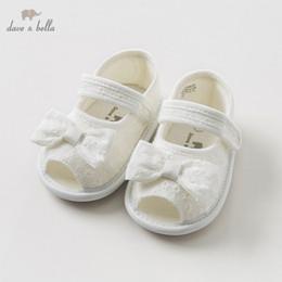 2019 tpt детские сандалии DBH10826 Дейв Белла летние детские сандалии новорожденных предуолкеров детская обувь девушка белые сандалии обувь принцесс с бантом дешево tpt детские сандалии