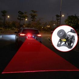 2019 luz de tejadilho de emergência âmbar 12v Nevoeiro a laser 1 PC 12 V Auto Brake Auto estacionamento Aviso de carro Multi forma Anti-Colisão Traseira Do Carro Cauda Laser de Luz de Nevoeiro
