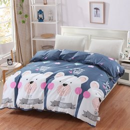 2019 juego de cama de oso Nueva caricatura White Bear on Grey Printed Bedding Kids pink Funda nórdica Lindo juego de cama de algodón 100% con dos camas individuales planas tamaño queen tamaño king juego de cama de oso baratos
