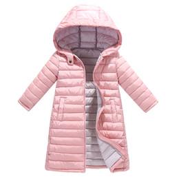 cappotto di neve del neonato Sconti 2019 Inverno lungo ispessimento vestiti di cotone leggero strato bambini della ragazza del neonato di moda trapuntato giacca calda con cappuccio Neve Suit Parka