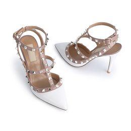 talons pointus beiges Promotion femmes talons hauts robe chaussures fête mode rivets filles sexy chaussures bout pointu boucle plate-forme pompes chaussures de mariage chaussures à talons hauts Saint-Valentin