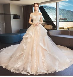 fb305b34a69 Foreign trade wedding dress 2018 new bride wedding long tail word shoulder  princess dream palace photo studio wedding dress