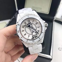 2019 женские черные модные часы 2019 горячие роскошные часы Леди наручные часы белый / черный Керамический высокое качество кварцевые Модные женские часы дешево женские черные модные часы