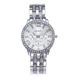 Genf rhinestone-legierungsuhr online-Luxus Strass Rose Gold Genf Uhren Frauen Mode Legierung Stahl Armbanduhren Persönlichkeit Lässig Weibliche Quarzuhr Relogio Feminino