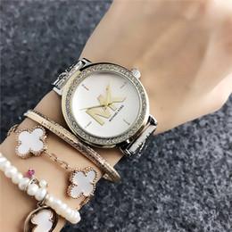 2019 reloj plateado vintage señoras de la manera reloj de lujo del reloj femenino de acero inoxidable correa de diamantes Montre Hembra 2019 reloj de cuarzo damas Relogio Femenino