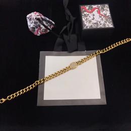 2019 colar de gargantilha de couro barato Chegada nova Designer Vintage Carta Gargantilha Colar Mulheres Colar De Luxo De Metal Moda Jóias de Alta Qualidade