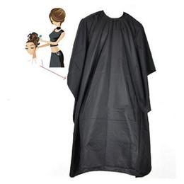 robes capes de coupe de coiffure Promotion Coupe de cheveux imperméable Coiffure Barbiers Coiffeur Grand Adulte Cape Robe Wrap Noir Coiffeur Cape Robe Tissu 0.3