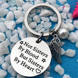 2019 beste geschenke für schwestern Bester Freund Keychain Geschenk eingravierten Wörter nicht Schwestern durch Blut, sondern Schwestern von Heart Inspiration Freundschaft Keychain rabatt beste geschenke für schwestern