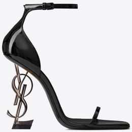 2019 скромные модные платья Черная лакированная кожа Серый каблук Модная свадебная обувь Скромная мода Eden Высокий каблук Женская вечеринка Вечернее платье Обувь 10см Каблук скидка скромные модные платья