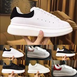 Zapatillas de plataforma online-2019 Plataforma clásica Desinger Zapatos Mujer Hombre Zapatillas Zapato de cuero blanco Zapatos de ocio Cuero Rosa Dorado Zapatos para correr