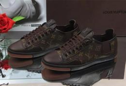 Ucuz Satış Erkekler Düz Ayakkabı Rahat Ayakkabı Sneaker erkekler Tasarımcı Eğitmenler Deri Ayakkabı Ücretsiz Kargo nereden
