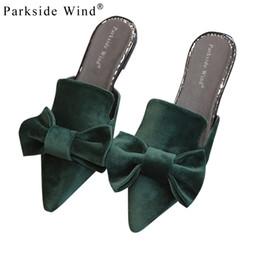 2019 mariposa de viento Parkside Wind Mujer Zapatillas Terciopelo Mariposa nudo Mujeres Sandalias Punta estrecha Bowtie Pisos Mulas Verano Zapatos Damas XWA0931-4.5 mariposa de viento baratos