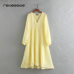 vestidos amarillos sólidos Rebajas Reneesme verano suelto vestido de manga larga con cuello en v plisado color sólido vintage mid-calf ladies dresses amarillo midi vestidos