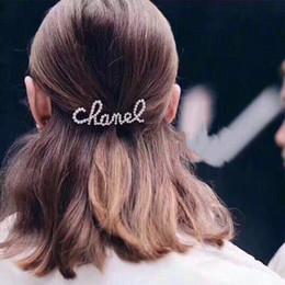 Clips de carta online-Clip mujeres Rhinestone de la perla Carta de pelo Bling Bling Carta Barrettes accesorios del pelo para el regalo del partido