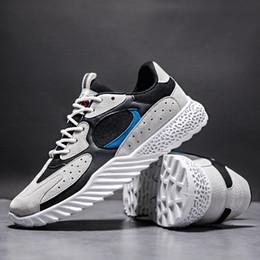 Rede ao ar livre luzes azul on-line-Masculino Outono 2019 Rede de Ventilação Tênis de Corrida Homens Azul Luz Respirável Sneakers Esportes Ao Ar Livre Unisex Athletic Jogging Shoe