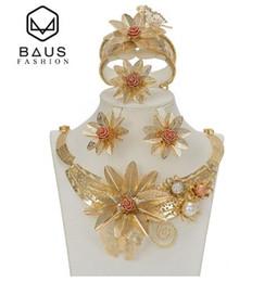 Tipos africanos on-line-Dubai terno jóias tipo de flor de ouro cor conjunto de jóias de Casamento nigeriano contas africanas ouro etíope acessórios De Noiva