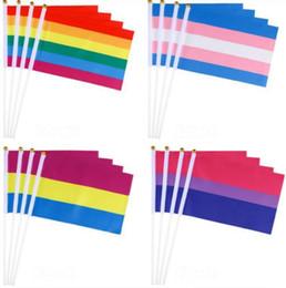 drapeau en nylon Promotion Drapeau Arc-En-Ciel Coloré Rayé Main Agitant Des Drapeaux Pour Lesbienne Gay Pride LGBT Bannière Décor À La Maison YW3965
