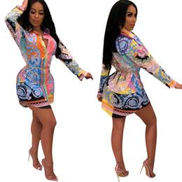 Imagens de padrões de vestido curto on-line-2019 Floral Padrão Impresso Camisas Das Mulheres New Arrival Moda Mangas Compridas Botões Elegante Festa OL Vestido Curto de Alta Qualidade Imagem Real