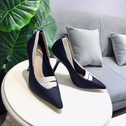 Pajarita plana online-Italia diseñador de cuero sandalias planas con abeja bowtie zapatos de mujer zapatillas EU35-41 envío gratis ks19042802